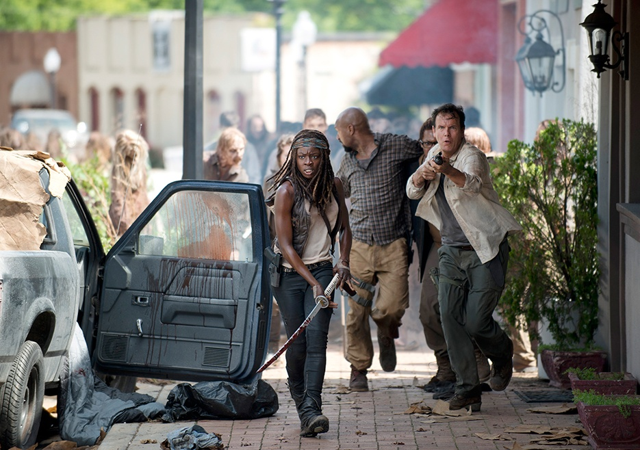 the-walking-dead-episode-603-michonne-gurira-2-935