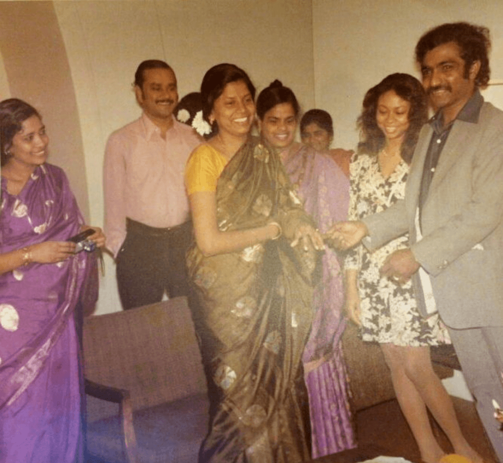 Mom on the far right [hair on wavy] #OriginalMississippi Masala