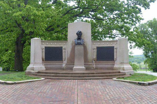gettysburg-address-monument